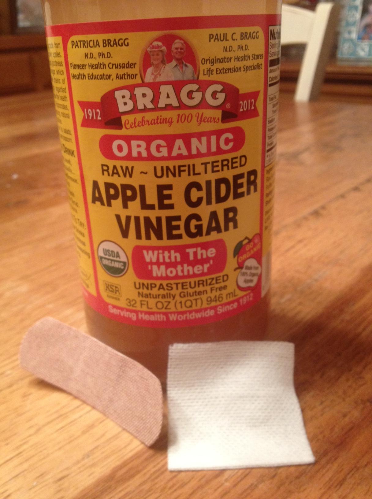 Bragg s apple cider vinegar acv small sterile pad or cotton ball