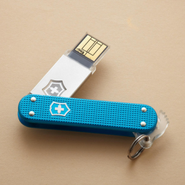 slimflight flash drive  by victorinox $48